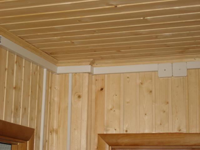3 Как провести электропроводку в деревянном доме?
