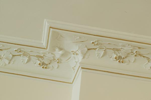 lep 3 Подчеркните стиль интерьера с помощью потолочной лепнины