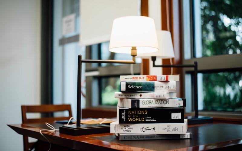 38 Критерии выбора настольной лампы