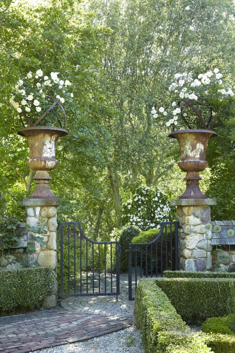 212 Как обустроить вход в сад?